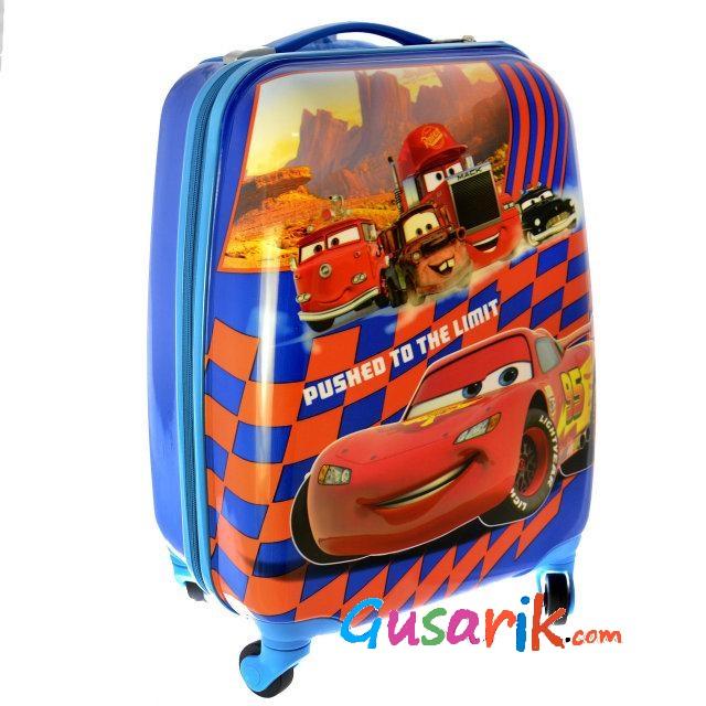 Купить чемодан на колесах в железнодорожном